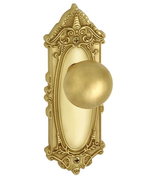 Fifth Avenue Knob With Grande Victorian Plate