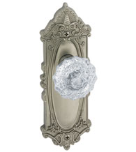 Grande Victorian Plate With Fontainebleau Knob, Grandeur GVCFON