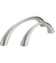 Chic Curved Cabinet Pull, Omnia 9400